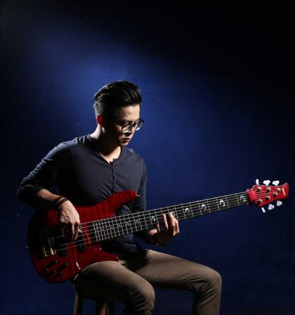 Ronald Steven – ( Bassist / Music Producer )