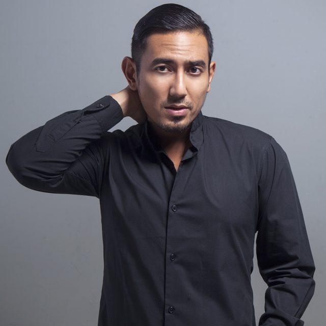 Rio Febrian ( Vocalist / Solo Singer )
