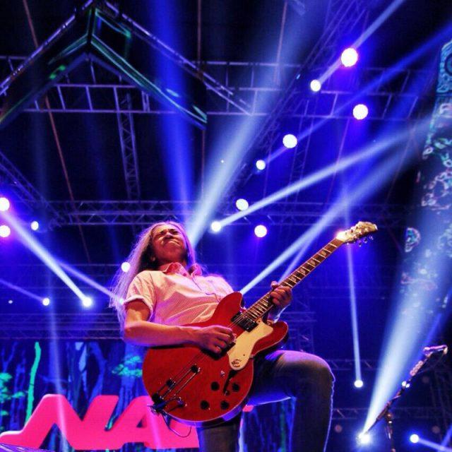 """Jarwo """"Naif"""" – Gitar"""